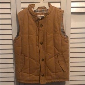 Oshkosh button closure warm vest size 5T